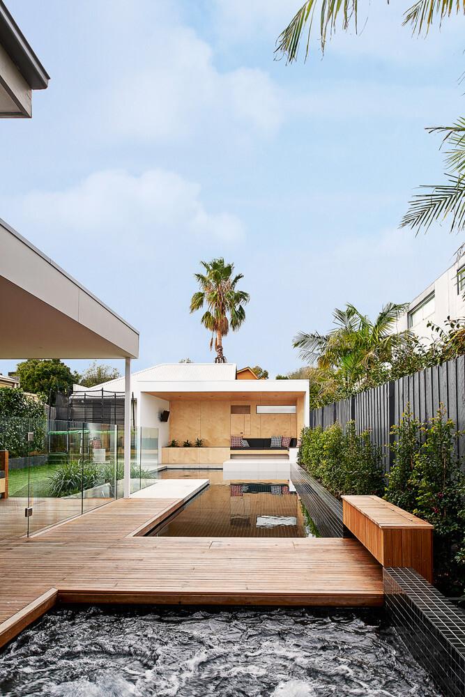 Brighton Bunker - Outdoor Living Space by Dan Gayfer Design (15)