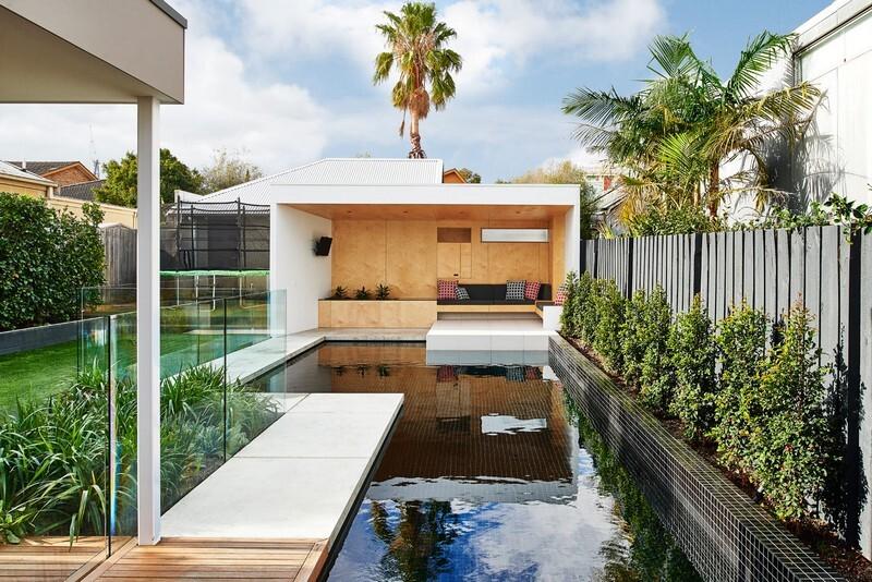 Brighton Bunker - Outdoor Living Space by Dan Gayfer Design (8)