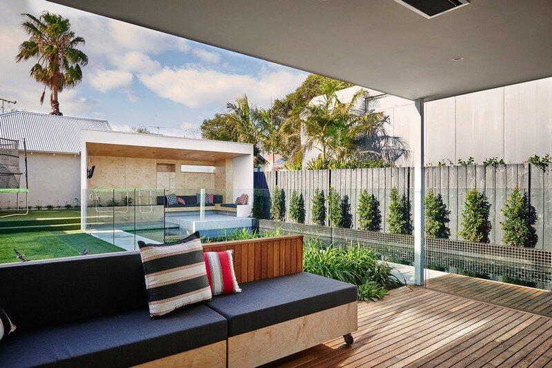 Brighton Bunker - Outdoor Living Space by Dan Gayfer Design (9)