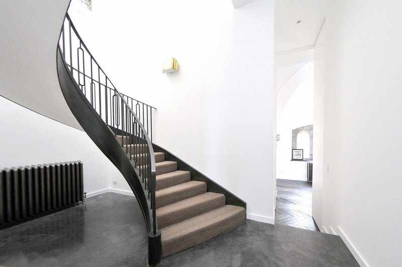 Cantilevered Helical Staircase with Gun Metal Finish (1)