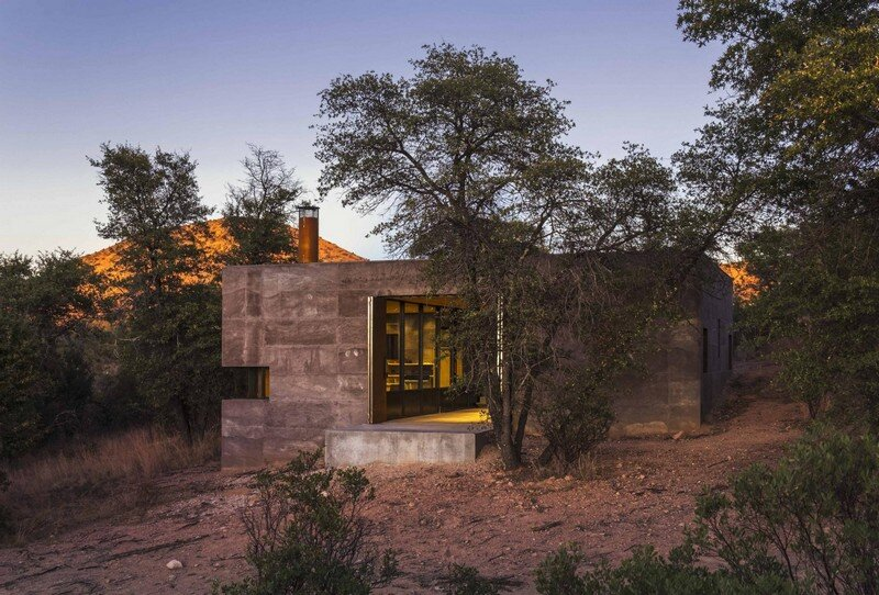 Casa Caldera - Small Shelter in Arizona by DUST (3)