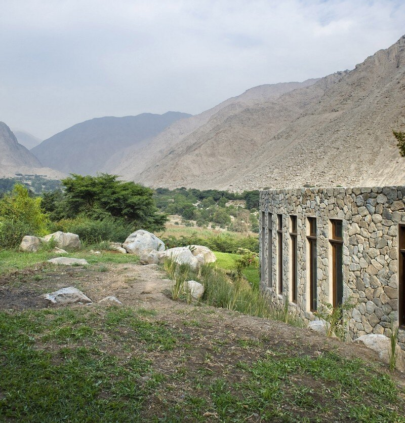 Chontay Stone House in Peru by Marina Vella Arquitectos (15)