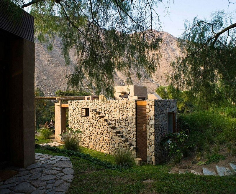 Chontay Stone House in Peru by Marina Vella Arquitectos (6)