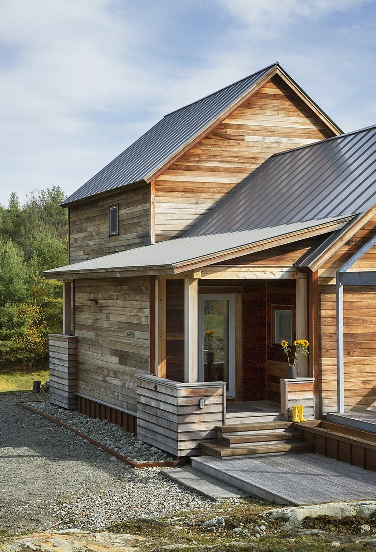 Farmstead passive house in vermont for the modern new for Vermont home designs
