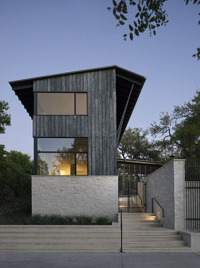 Hillside house by tim cuppett architects for Hillside architecture