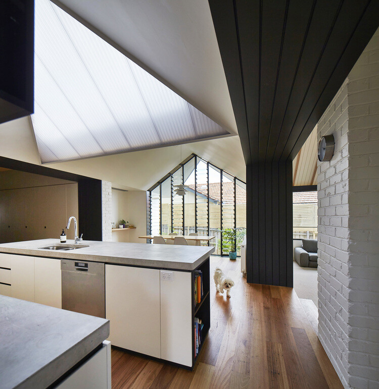 Hip and Gable House - Extension of a Californian Bungalow (11)
