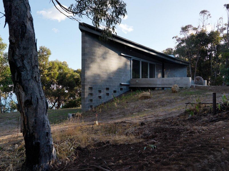 House at Big Hill by Kerstin Thompson Architects (5)