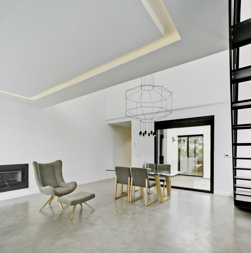 Modern Gabled House by Colectivo Du Arquitectura
