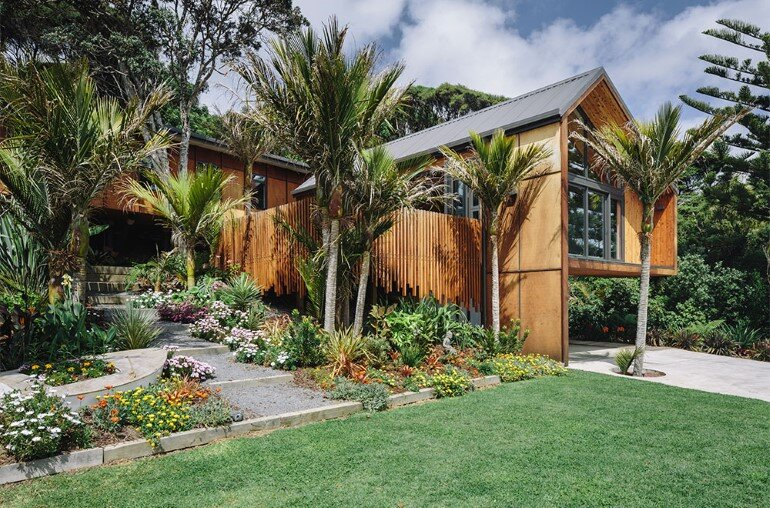 Motutara House in Muriwai Beach, New Zealand (1)