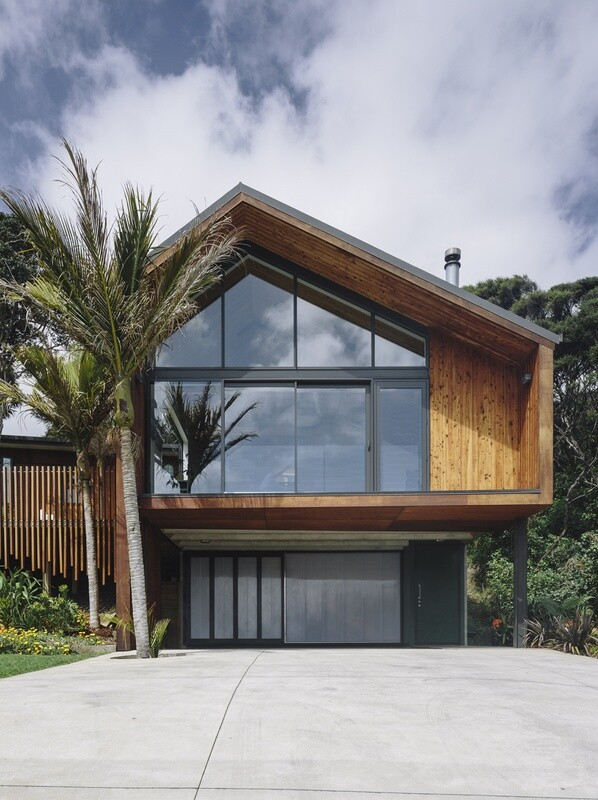 Motutara House in Muriwai Beach, New Zealand (11)