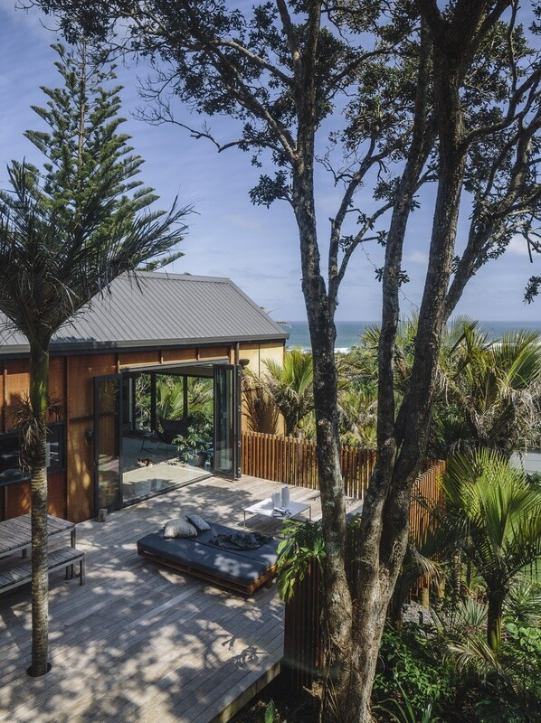 Motutara House in Muriwai Beach, New Zealand (8)
