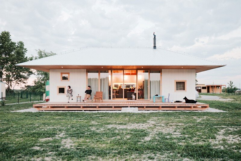 Single-Storey Bungalow for a Family of Five - The Lake House (4)