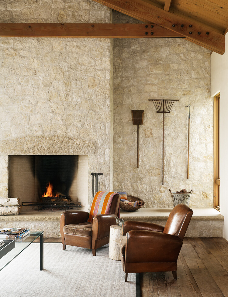 Spicewood ranch in texas hill country for Hill country stone