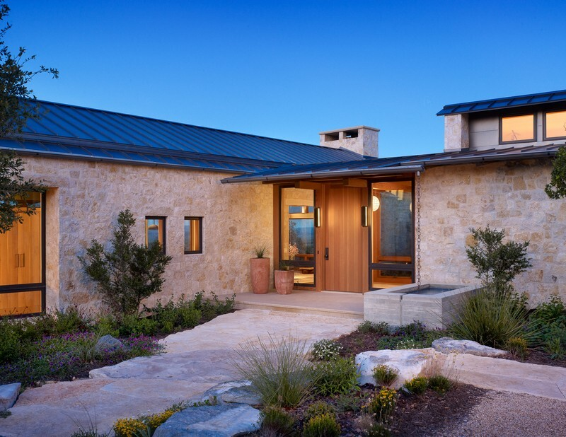 Spicewood ranch in texas hill country for Hill country architecture