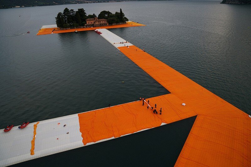 The Floating Piers - A 3 Kilometer-long Walkway Across the Water of Lake Iseo (14)