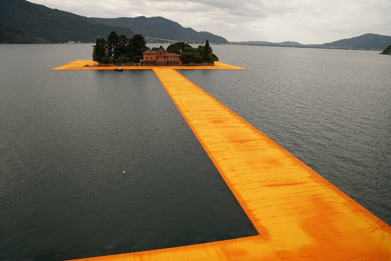 The Floating Piers - A 3 Kilometer-long Walkway Across the Water of Lake Iseo (18)
