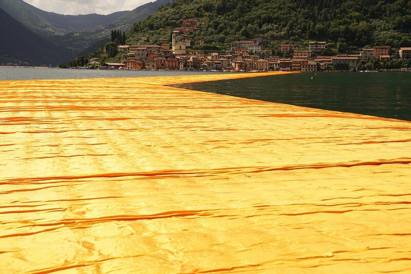 The Floating Piers - A 3 Kilometer-long Walkway Across the Water of Lake Iseo (19)