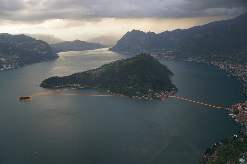 The Floating Piers - A 3 Kilometer-long Walkway Across the Water of Lake Iseo (21)
