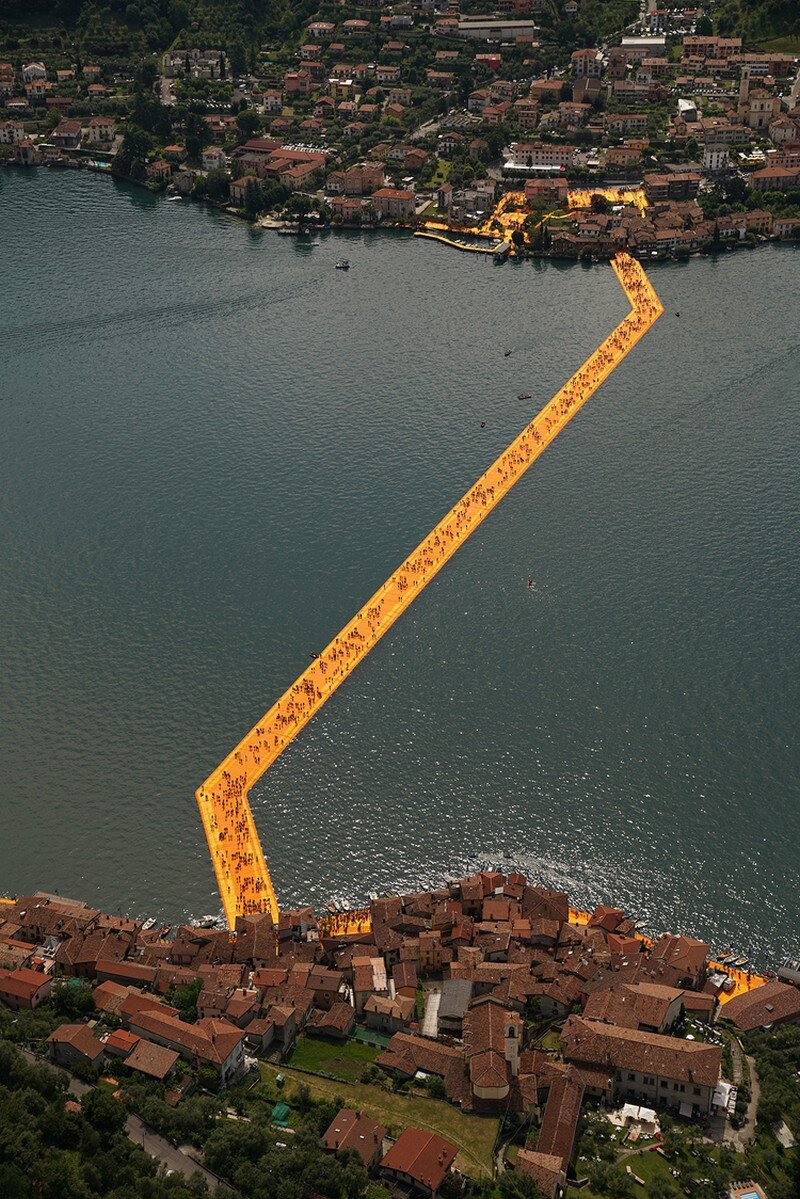 The Floating Piers - A 3 Kilometer-long Walkway Across the Water of Lake Iseo (22)