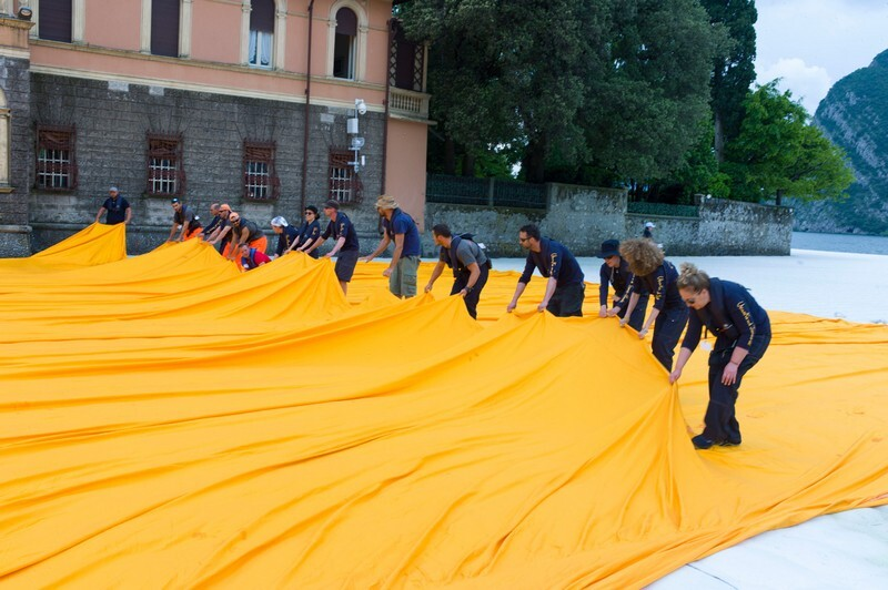 The Floating Piers - A 3 Kilometer-long Walkway Across the Water of Lake Iseo (3)