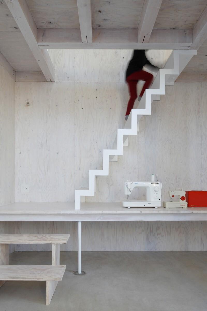 Unfinished House by Yamazaki Kentaro Design Workshop (9)