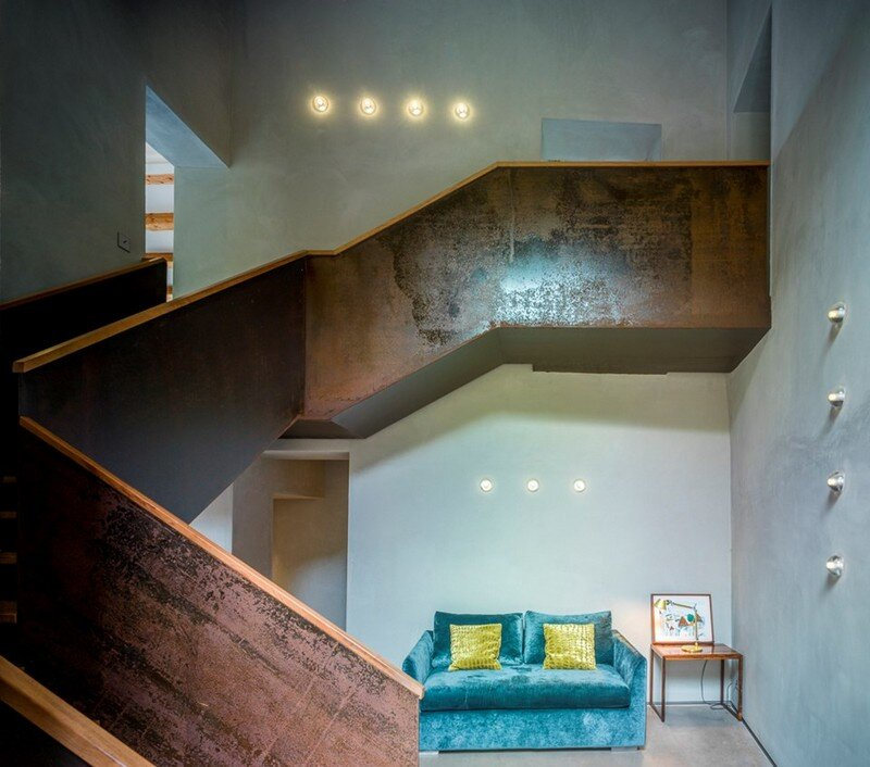 Gavarres Weekend Home - Spectacular Renovation of an Old Farmhouse (19)