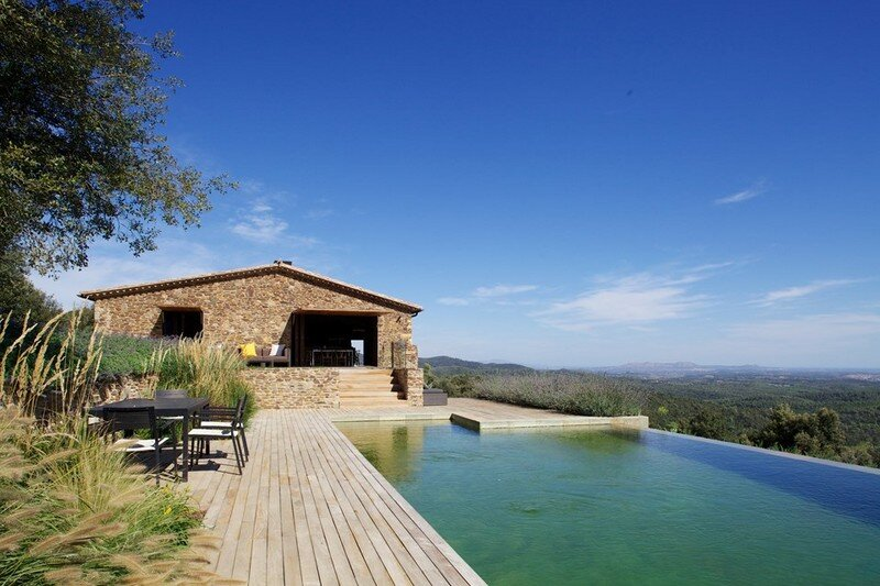Gavarres Weekend Home - Spectacular Renovation of an Old Farmhouse (6)