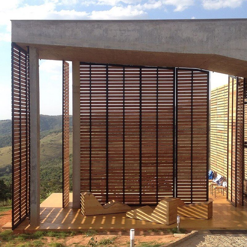 Cerrado House at the Foothills of the Sierra da Moeda Brazil (9)
