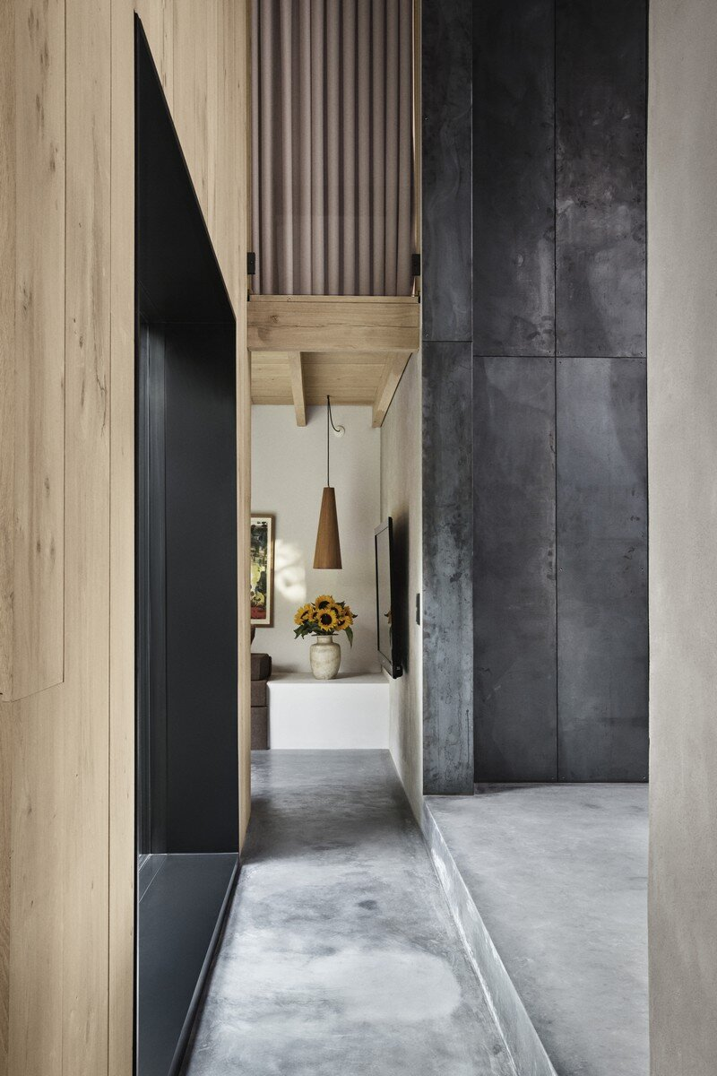 Copenhagen Warehouse Converted into a Private Residence Studio David Thulstrup (4)