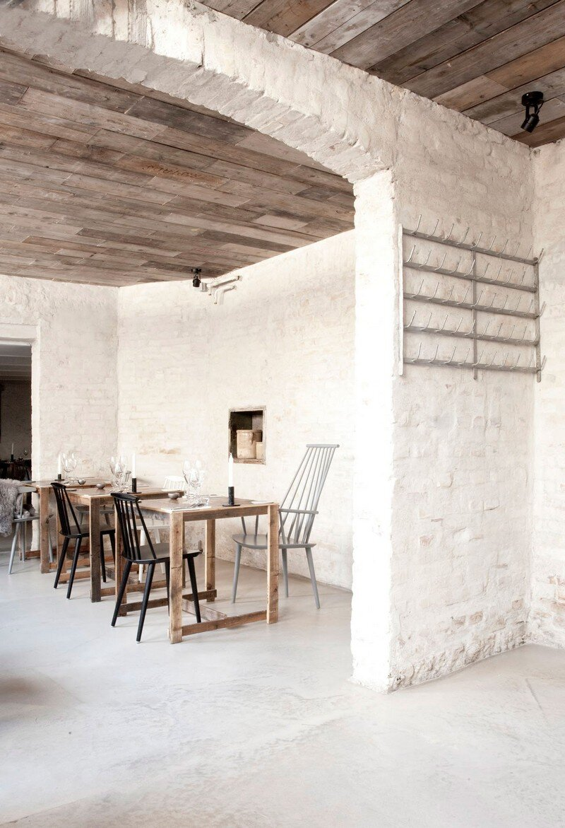 Höst Restaurant - Rustic Scandinavian Interior by Norm Architects (18)