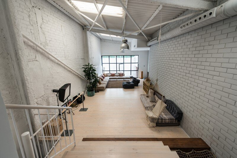 Industrial Space Transformed into a Habitable Loft for a Family of Three (14)