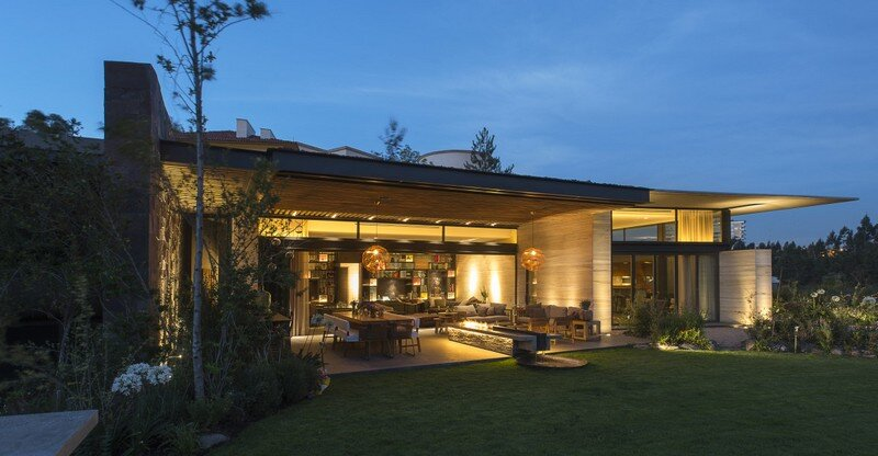 Lomas Country House by Vieyra Arquitectos Mexico (1)