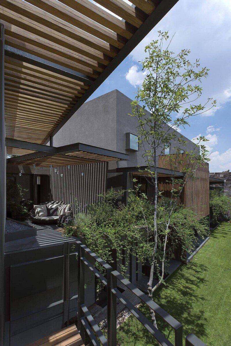 Lomas Country House by Vieyra Arquitectos Mexico (3)
