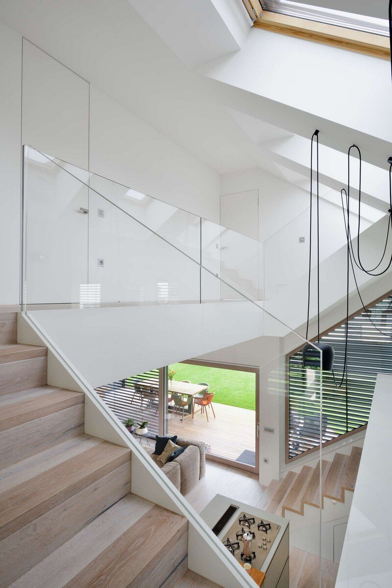 Mezzanine house by elastik architecture ljubljana - How to design a home ...