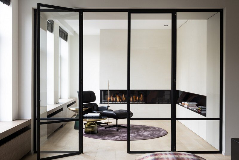 Old Town House Rebuilt and Renovated by JUMA Architects (18)