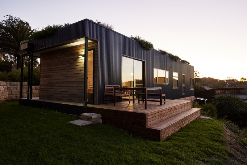 Prefab Beach House with Green Roof (10)
