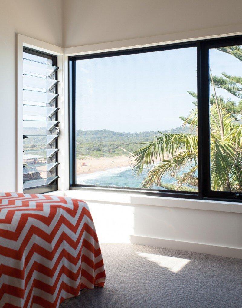 Prefab Beach House with Green Roof (12)