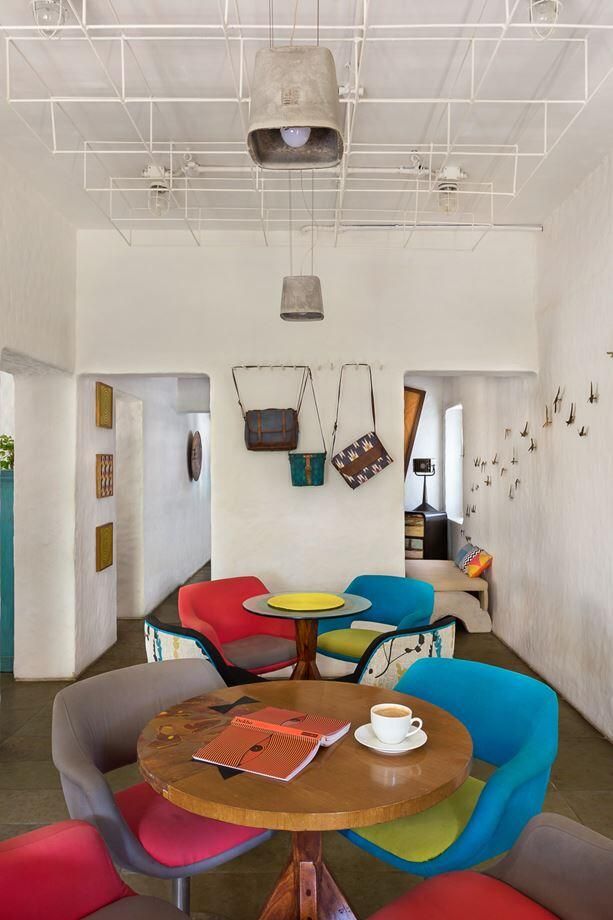 Project Cafe - Dynamic Space for Food, Art and Retail (4)