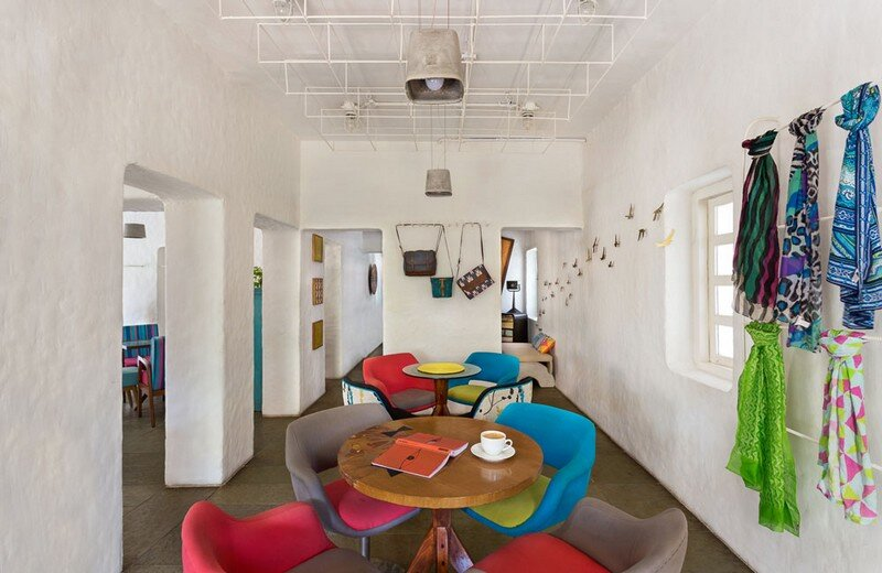 Project Cafe - Dynamic Space for Food, Art and Retail (7)