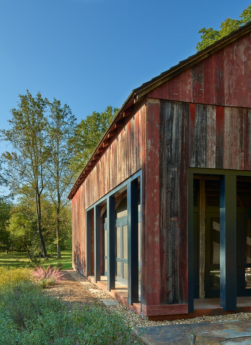 Red Barn at Hazel River Cabin Bonstra Haresign Architects 7