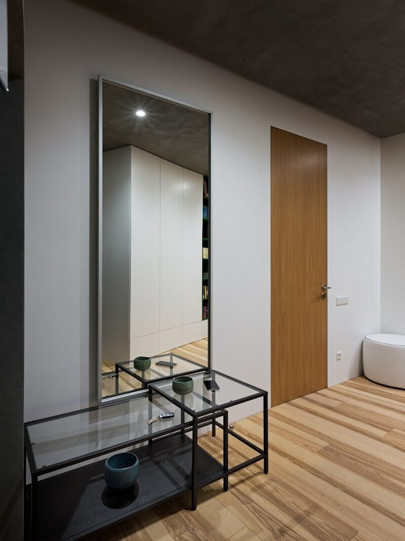 Skyline Minimalist Apartment by Sergey Makhno Architects (12)