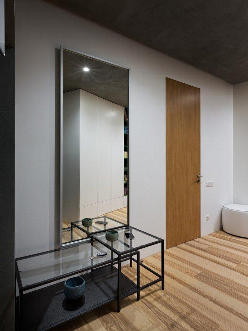 Skyline Minimalist Apartment by Sergey Makhno Architects (12)