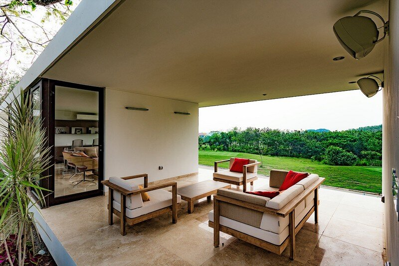 Tropical Eco-Friendly House by Alberto Zavala Arquitectos (11)