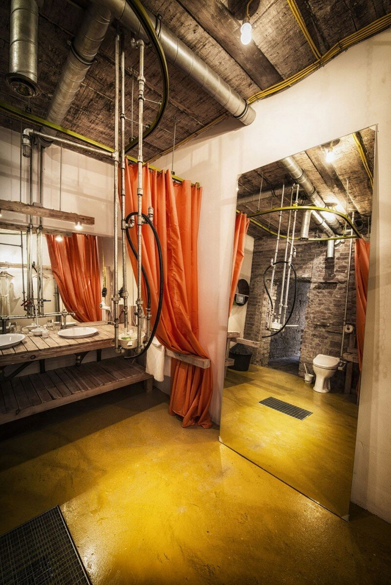 Viennese Guest Room - Raw Feel and Old Industrial Charm (14)