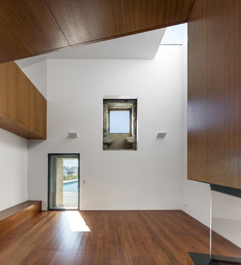 Vigario House is a Dialog Between Old and New (10)