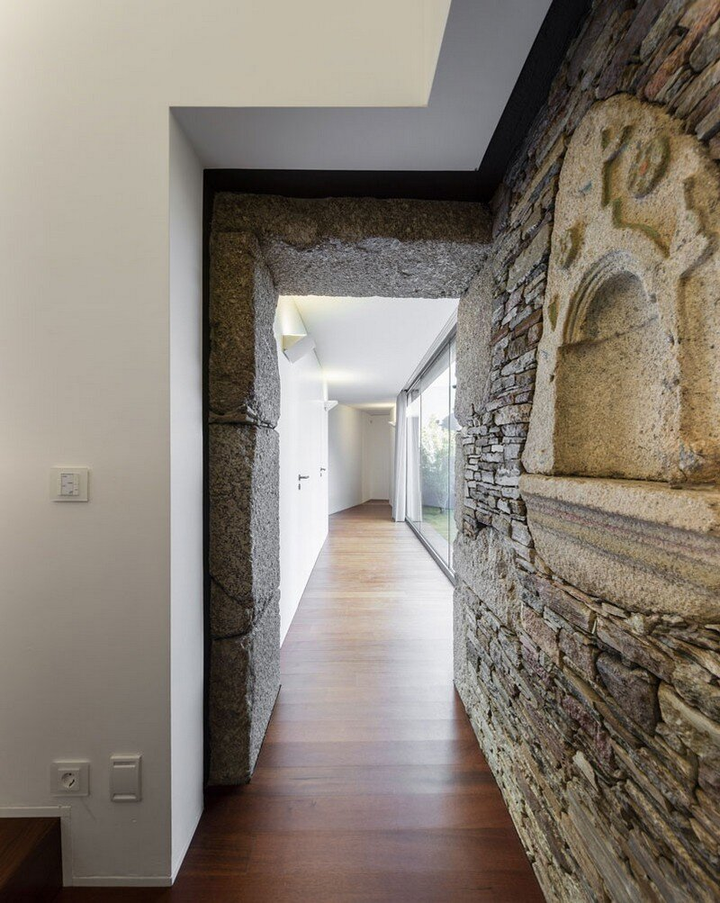 Vigario House is a Dialog Between Old and New (16)