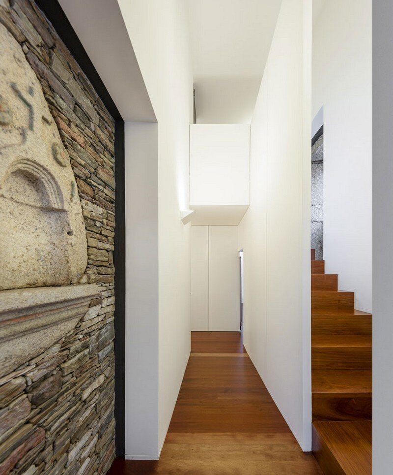Vigario House is a Dialog Between Old and New (19)