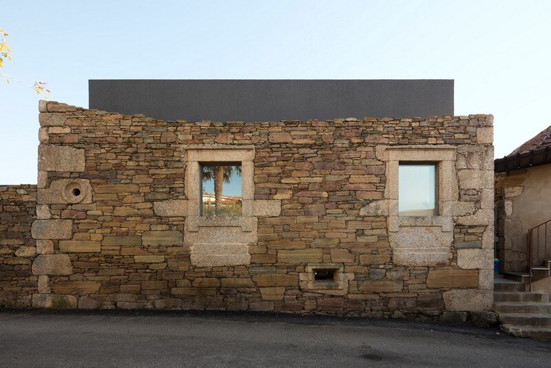 Vigario House is a Dialog Between Old and New (24)
