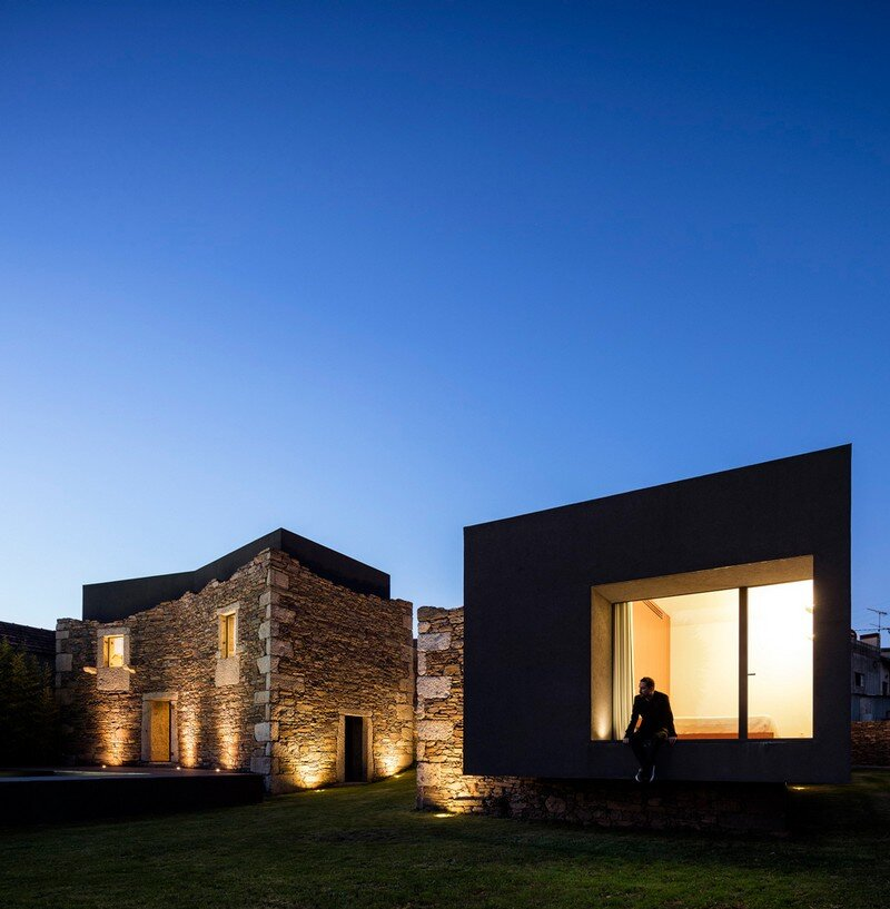 Vigario House is a Dialog Between Old and New (5)