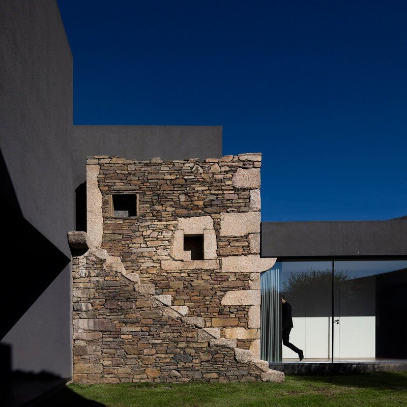 Vigario House is a Dialog Between Old and New (9)